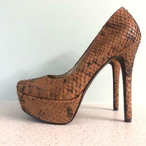 Jessica Simpson Waleo platform heels